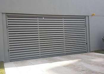 Portões feitos de aço