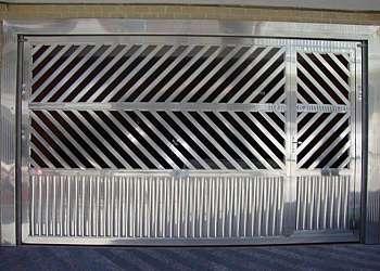 Portões feitos de alumínio