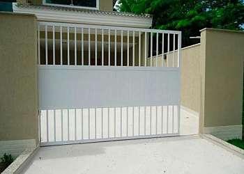Portão de alumínio branco automático