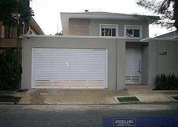 Portões de garagem de alumínio