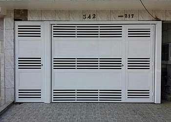 Portão de alumínio preto